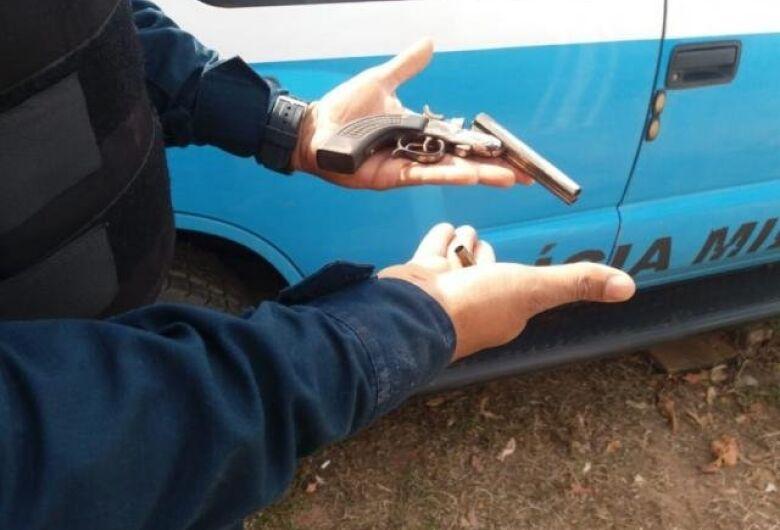 Adolescente foge de Unei por buraco e acaba morto depois de atirar em PM