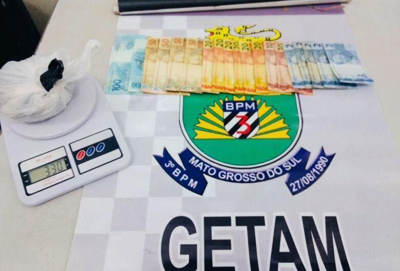 Polícia Militar prende jovem por tráfico de drogas em Dourados