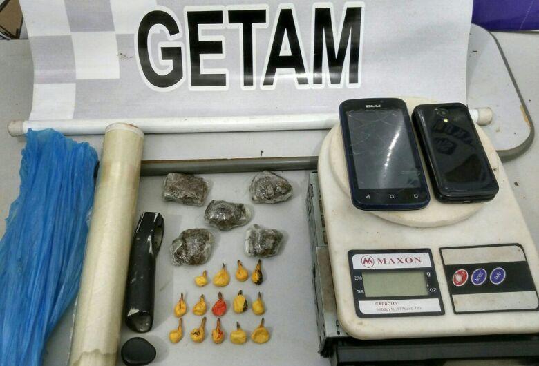 Após denúncias, PM fecha ponto de vendas de drogas