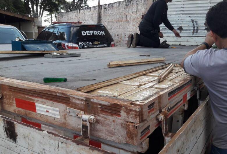 DOF apreende caminhão com 810 quilos de droga escondidos na carroceria