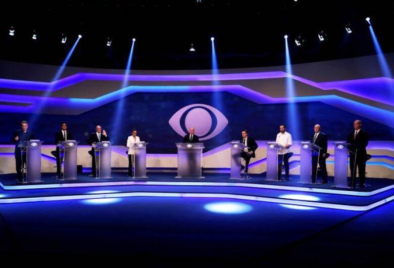 Em debate morno, candidatos ainda se mostram perdidos em relação a alguns temas