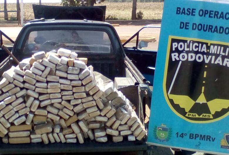 PMRv apreende veículo com 132kg de maconha