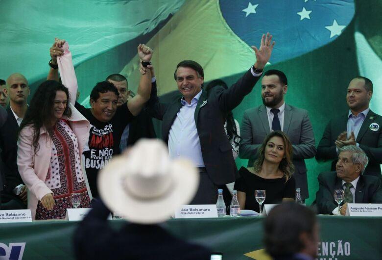 Sem Lula, Bolsonaro lidera disputa presidencial