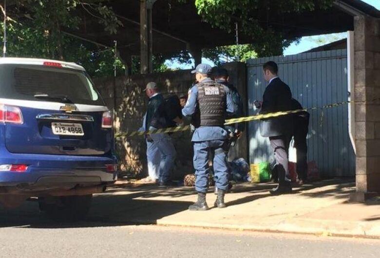 Homem amanhece morto na Capital e polícia não descarta hipotermia