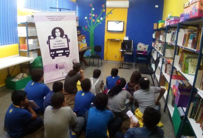 Agosto Lilás leva conscientização às escolas