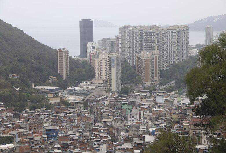 População brasileira passa de 208,4 milhões de pessoas
