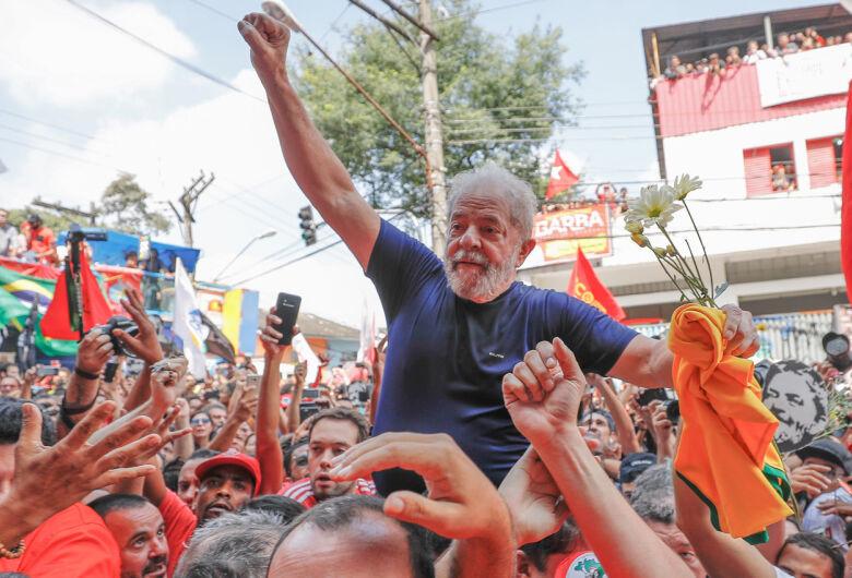 Pesquisa CNT/MDA aponta Lula líder com folga