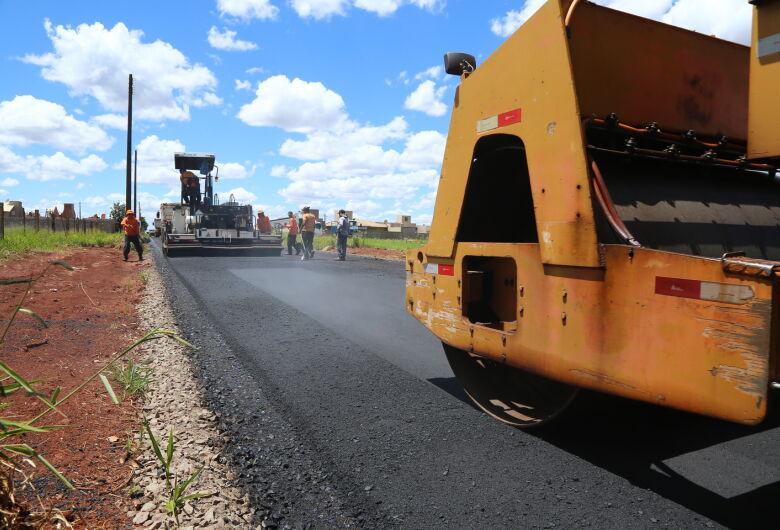 Prefeitura conclui asfalto comunitário no Residencial Monte Carlo