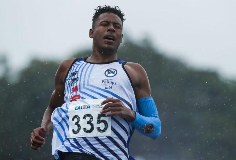 Paulo André voa, crava marca histórica e fica perto de quebrar barreira dos 10s nos 100m