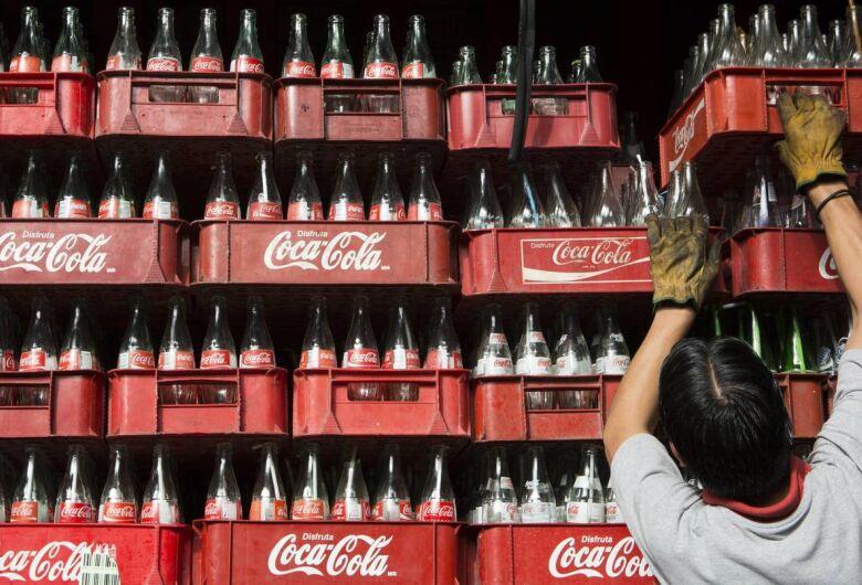 Coca-Cola estuda entrar no mercado das infusões à base de maconha