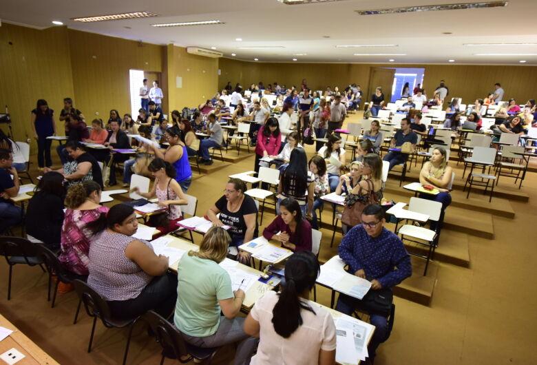 Prefeitura nomeia novos concursados da Educação