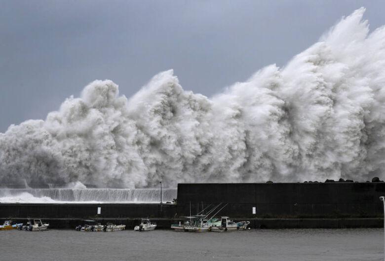 Mais de 600 voos são cancelados no Japão pela chegada do tufão Jebi