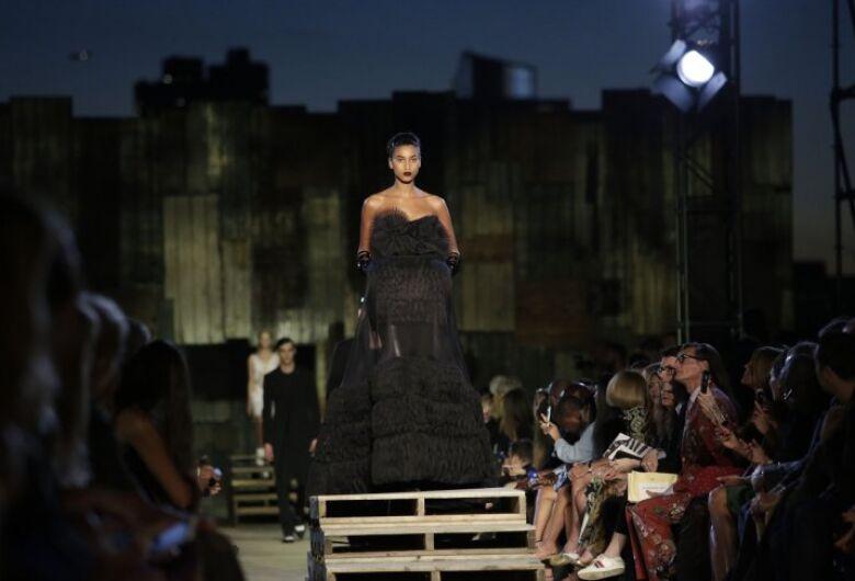 Fashion Week de Nova York dá início a mês de desfiles globais