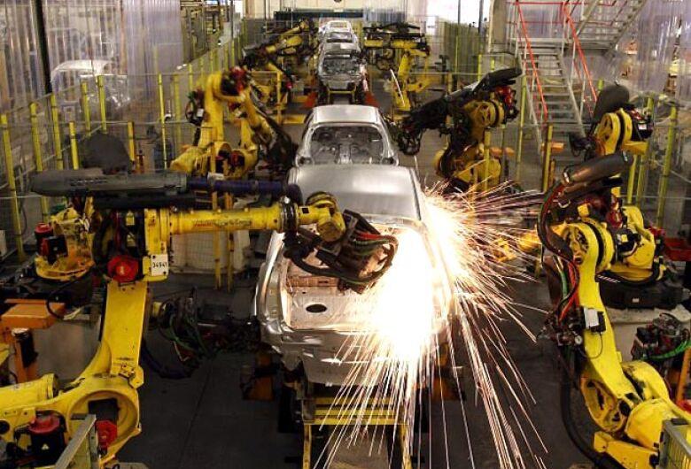 Produção industrial cai 0,2% de junho para julho