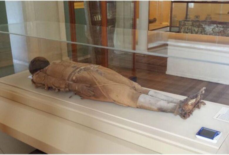 O mistério da múmia consumida pelo fogo no Museu Nacional