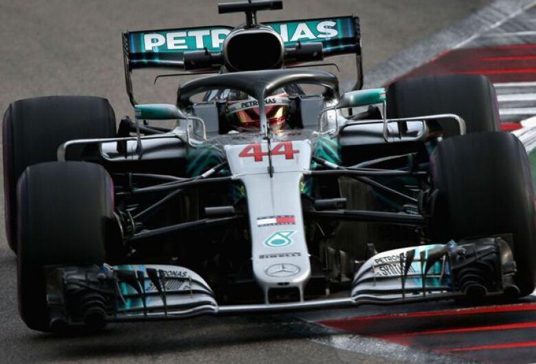 Hamilton dita ritmo dos treinos para o GP da Rússia