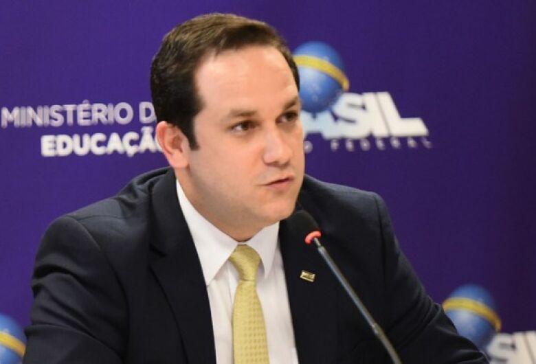 Ministro-substituto, douradense anuncia recursos para a UFGD e reúne com prefeita para falar de demandas da cidade
