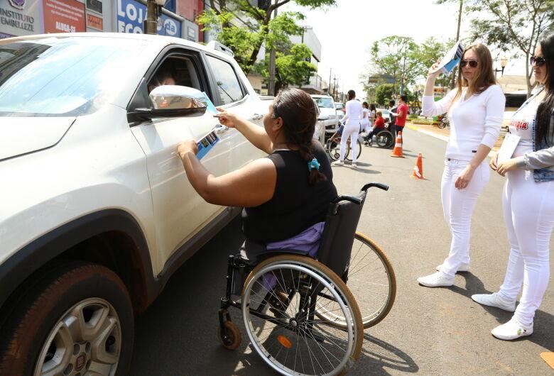 Blitz do Dia Nacional da Luta das Pessoas com Deficiência marca Expotrânsito em Dourados