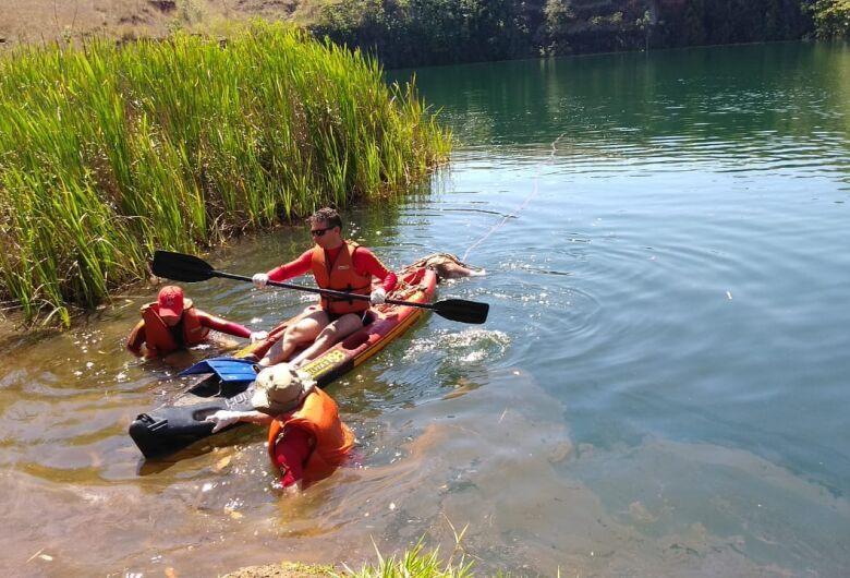 Idoso encontrado na pedreira foi jogado no lago ainda vivo, aponta investigação
