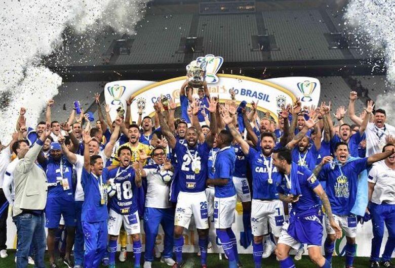 Cruzeiro vence Corinthians e conquista Copa do Brasil pela 6ª vez