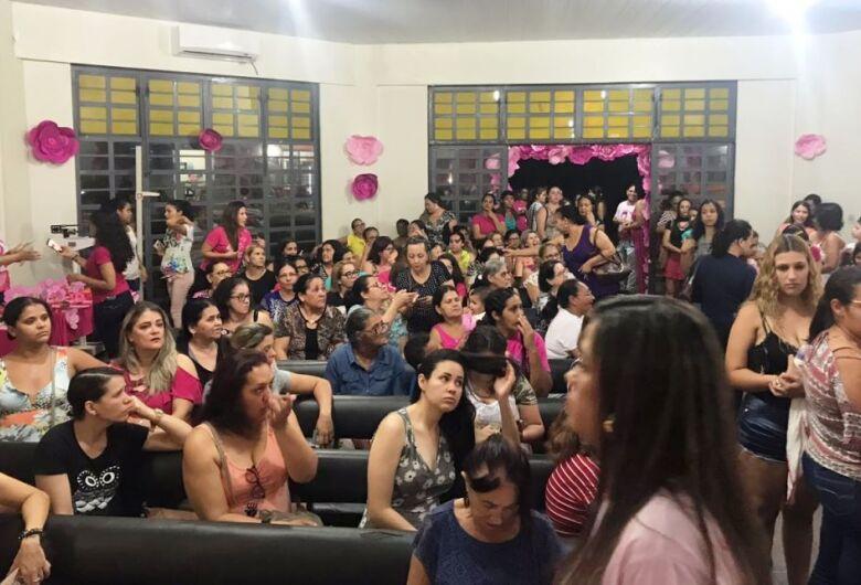 Programação do Dourados Rosa lota Unidade de Saúde do Santo André