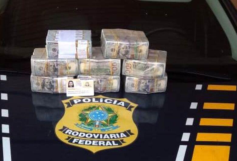 Boliviana que seguia em ônibus de SP para Campo Grande levava 799,5 mil dólares na mala