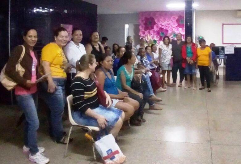 Mulheres do Cras do Jóquei participam de exames no período noturno