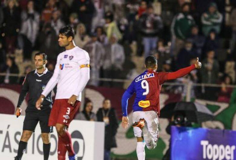 Rodada 'fatiada' tem jogo nesta segunda, clássico na terça e Cruzeiro no dia 24