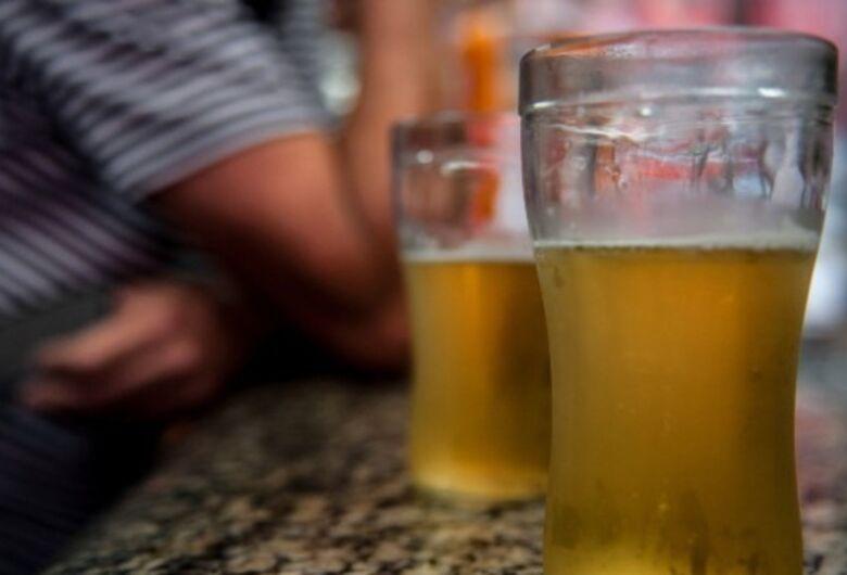 Lei seca branda em MS permite que cidadão compre bebida para consumir em casa