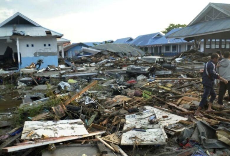 Dezenas de jovens são encontrados vivos 7 dias depois de tremor na Indonésia