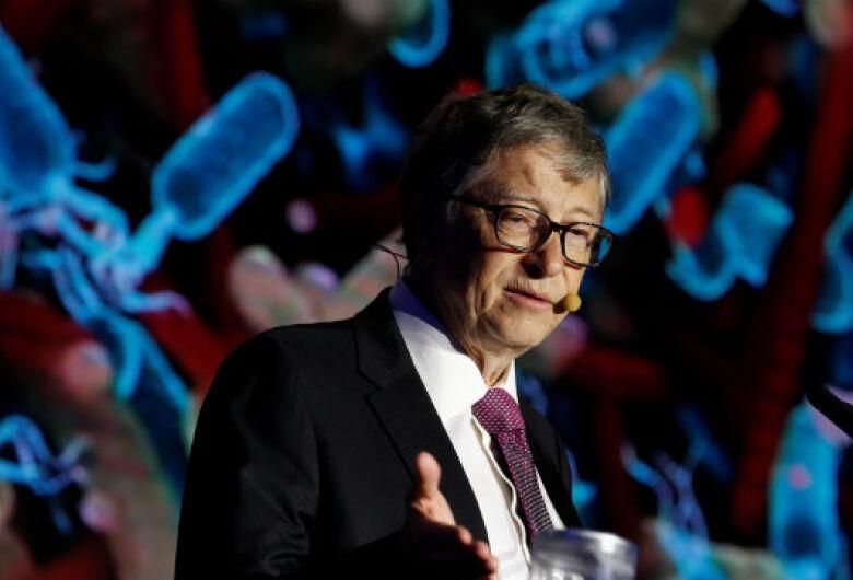 Bill Gates apresenta vaso sanitário futurista em viagem à China