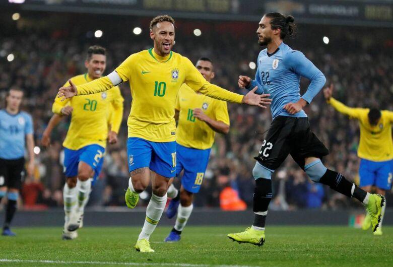 Com gol de pênalti de Neymar, Brasil ganha do Uruguai por 1 a 0 em Londres