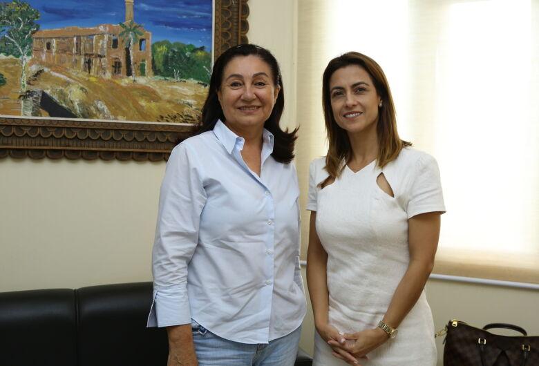 Senadora eleita visita prefeita Délia e promete trabalho por Dourados