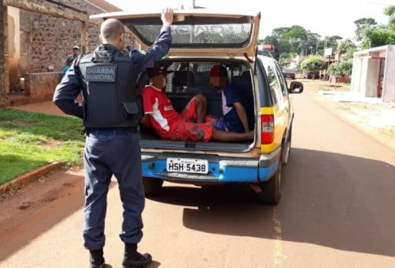 Guarda Municipal prende jovens por tráfico de drogas