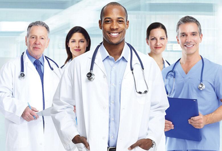 Governo abre seleção para médicos cardiologistas