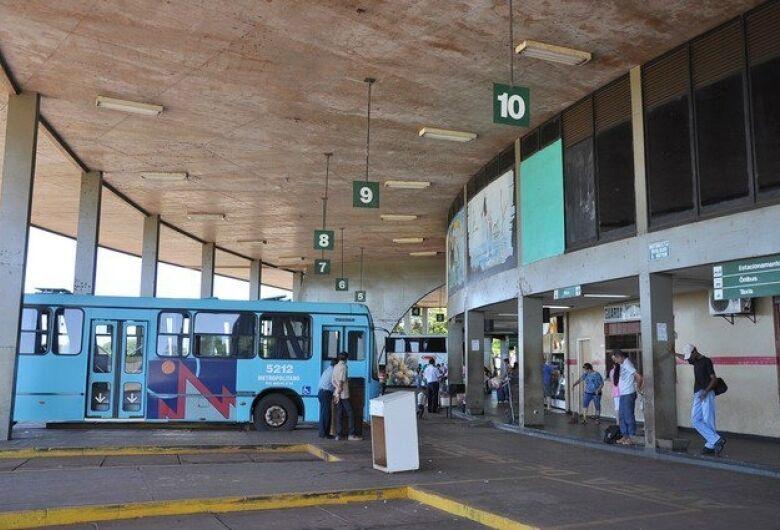 Procon notifica empresas de ônibus que operam em Dourados