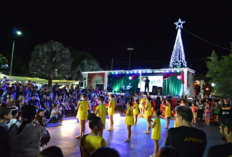 Aced leva Cantata de Natal para a praça nesta sexta-feira