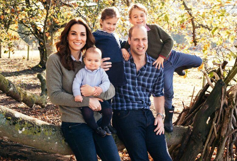 Família real britânica divulga fotos oficiais do Natal