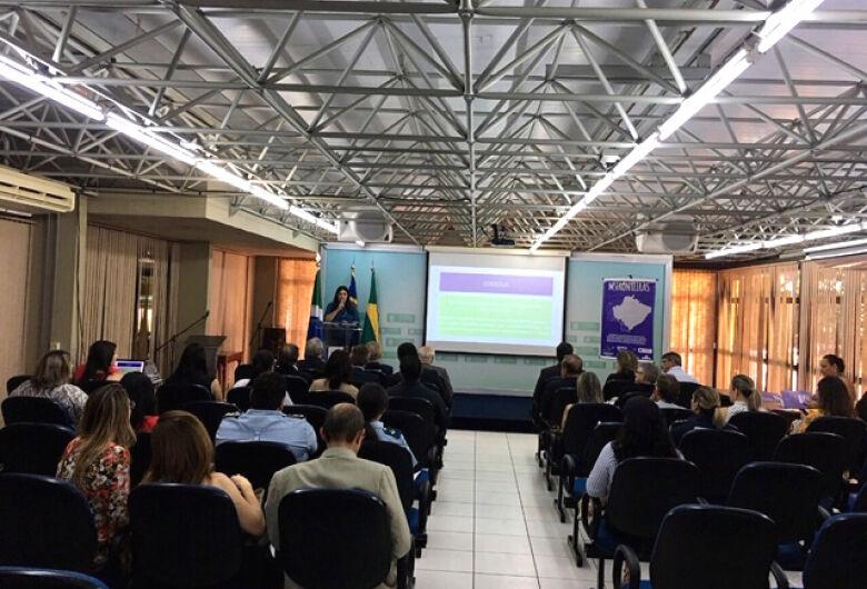 Encontro discute combate à violência contra a mulher nos municípios de fronteira