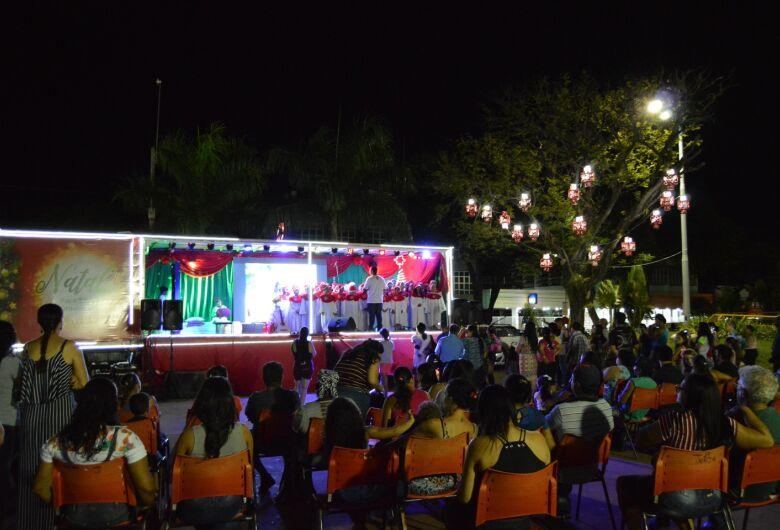 Alimentação, Papai Noel e atrações culturais movimentam praça no Natal para Todos