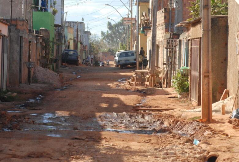 Pobreza aumenta e atinge 54,8 milhões de pessoas em 2017