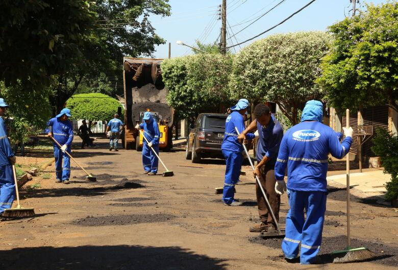 Operação tapa-buraco chega ao Campo Dourado e Jardim Canaã I