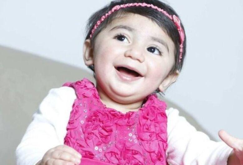 Uma campanha mundial procura um tipo raro de sangue para uma menininha de 2 anos