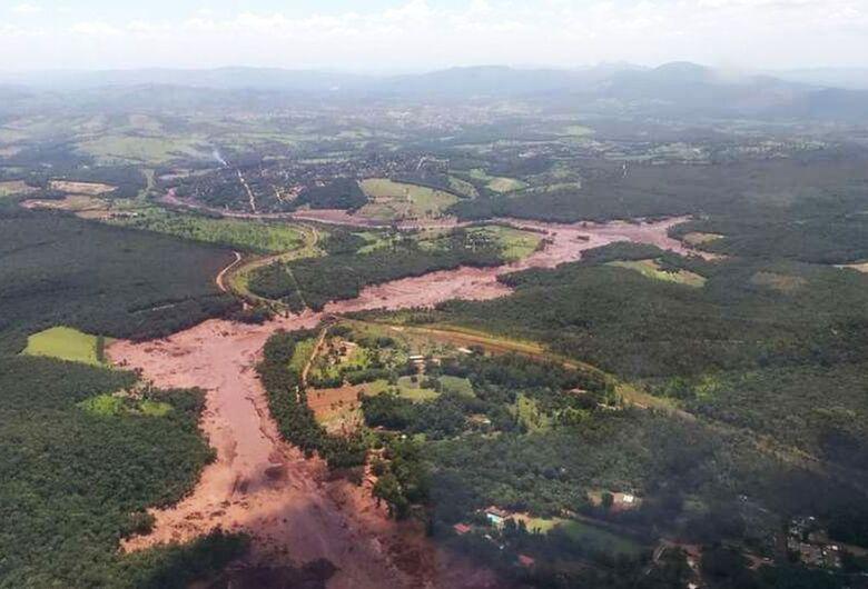 Vale admite possibilidade de vítimas em rompimento de barragem em MG