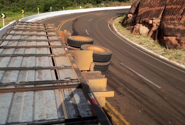 Passageiro de caminhão filma o próprio acidente