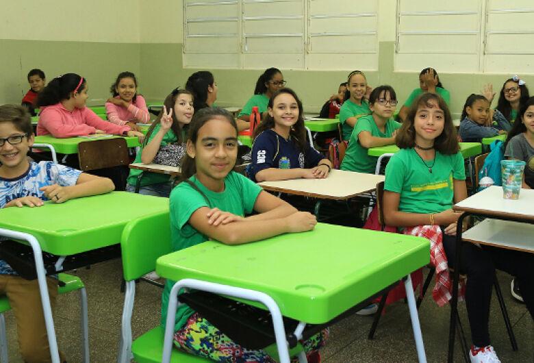 230 mil estudantes da Rede Estadual de Ensino retornam às aulas nesta segunda-feira