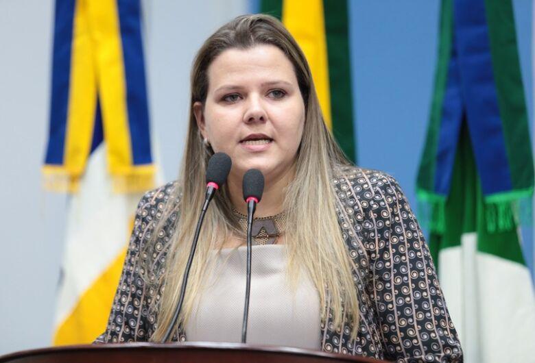 Daniela cobra exames admissionais na rede pública
