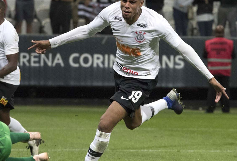Corinthians vence o São Paulo e se reabilita