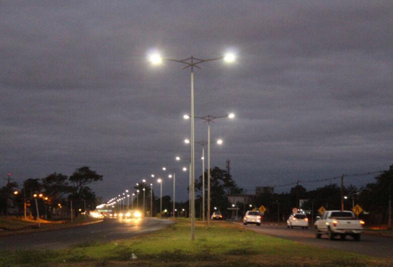 Vereador diz que prefeitura remanejou dinheiro da iluminação pública