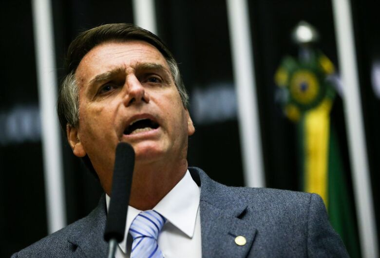 Bolsonaro viaja ao Chile para se reunir com líderes da América do Sul